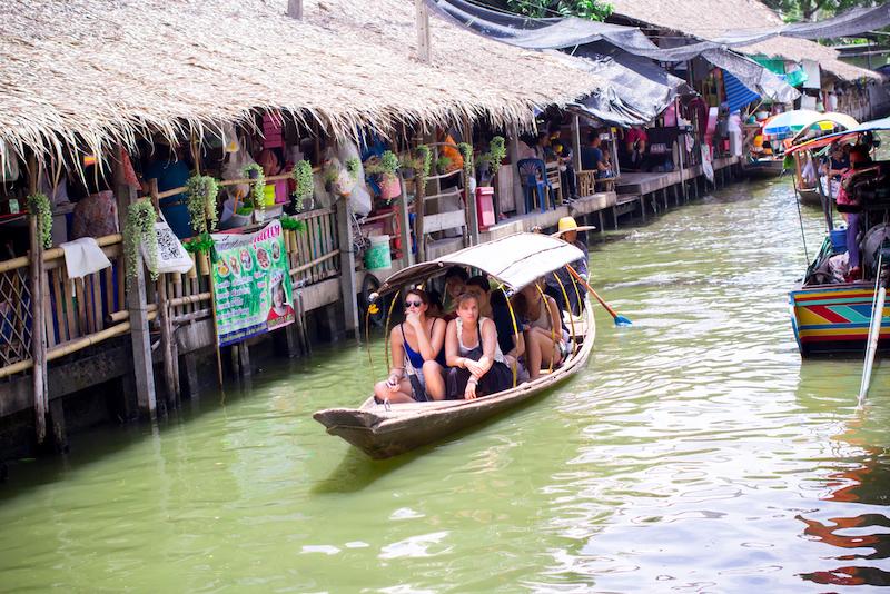 giro in barca nei mercati galleggianti