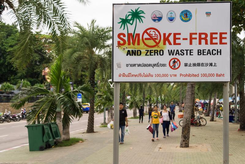 Divieto di fumo nelle spiagge della Thailandia