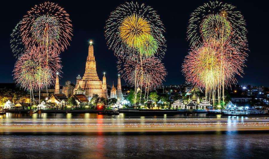 Capodanno in Thailandia: i fuochi d'artificio su Bangkok