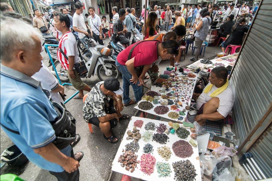 Il mercato delle gemme e dei gioielli nel centro di Chanthaburi