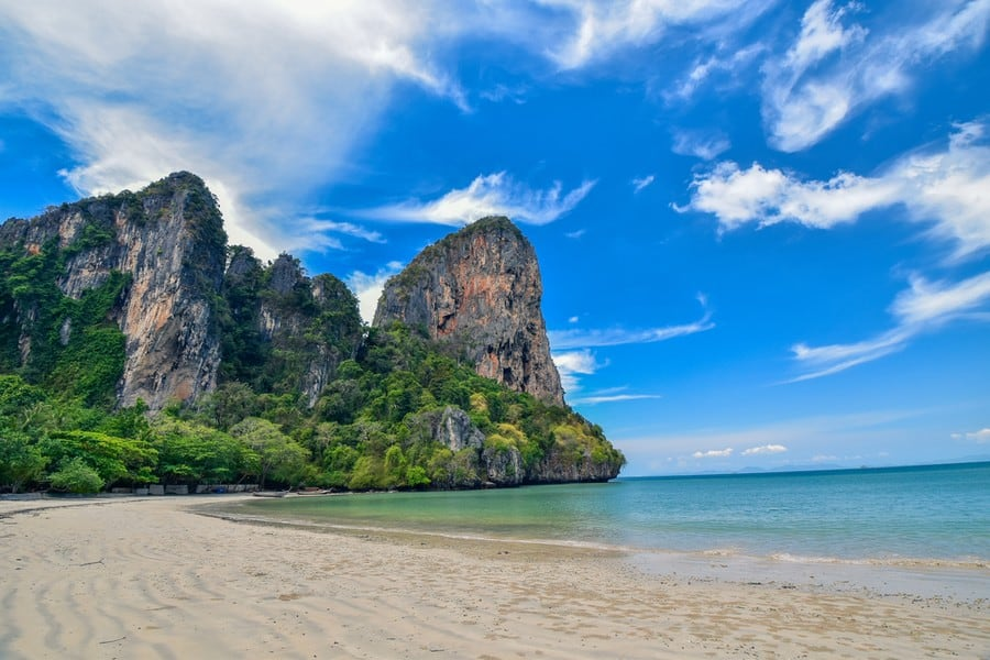 La spiaggia di Railay Beach, Krabi