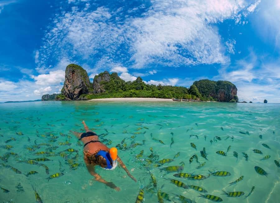 Snorkeling nella spiaggia di Koh Poda